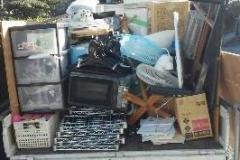 作業後はトラックで回収。